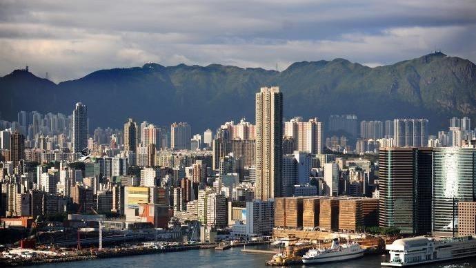 疑被暴徒击中头部的香港男子死亡,港府对暴徒恶行表示愤慨