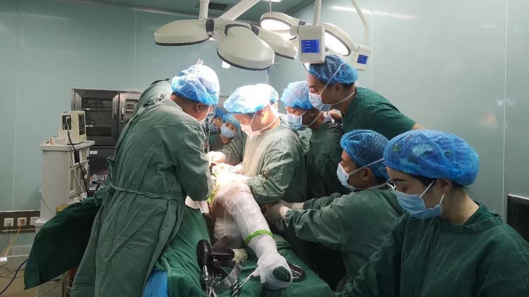 开封市第二中医院骨科微创手术助高龄骨折老人重新站起来