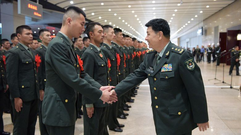 北京卫戍区担负国庆阅兵等 重大庆典任务退役士兵离队返乡