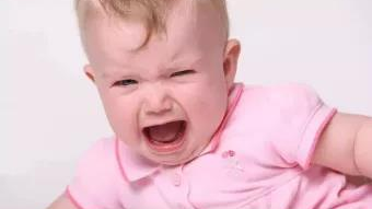 """酷育儿│当心!有些口口相传的退烧""""妙法"""",只是家长们的安慰剂!"""