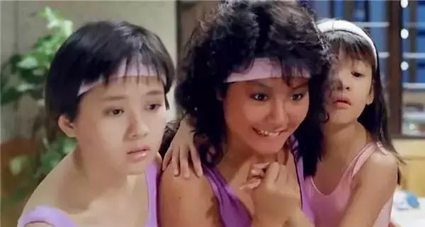 我和婶婶做屄_相对来说,陈奕诗的外形和八九十年代的女星相比确实不占优势,于1993年