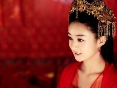 1《花千骨》赵丽颖 以上盘点的几位明星古装剧新娘造型,感觉还是在赵