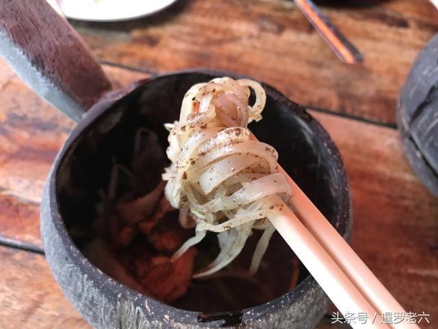泰国当地面食种类实在太少,不是碱面,就是方便面,对于喜欢面食的老六图片