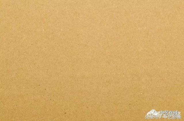 照一张纸张的纹理素材,最好是颗粒类似宣纸的素材.