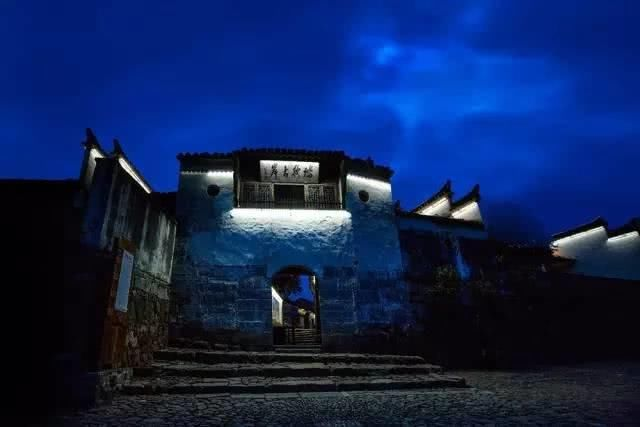 这座藏在李白诗中的冷门古镇,一到春天就美成烟雨国画