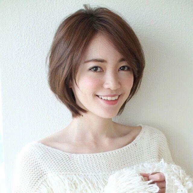 30岁女人短发减龄发型_45岁女人短发减龄发型_30至图片