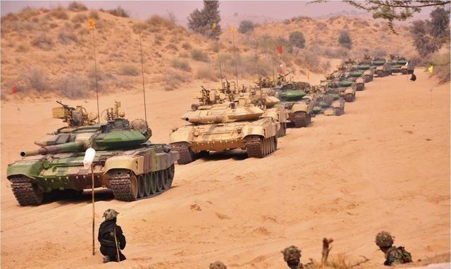 印巴冲突_印巴冲突将引发核战争?大批坦克集结边境 冲突信号出现