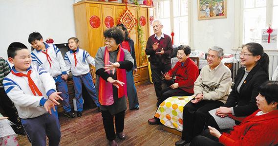 劝业场街滨西社区文化小分队上门送欢乐扫码小学继红6图片