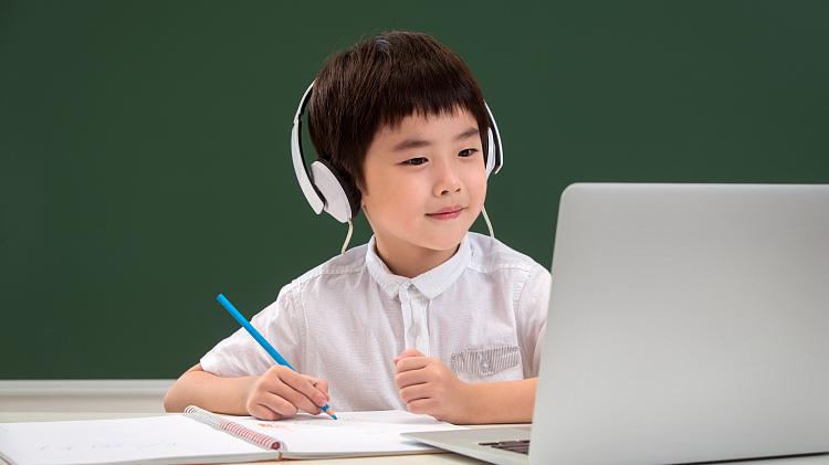 """在线教育""""化茧成蝶""""?超2亿学生集体""""上线"""" 节省近1000亿推广费"""