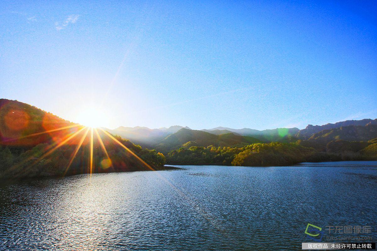9月26日,玉渡山自然风景区秋色(图片来源:tuku.qianlong.com).