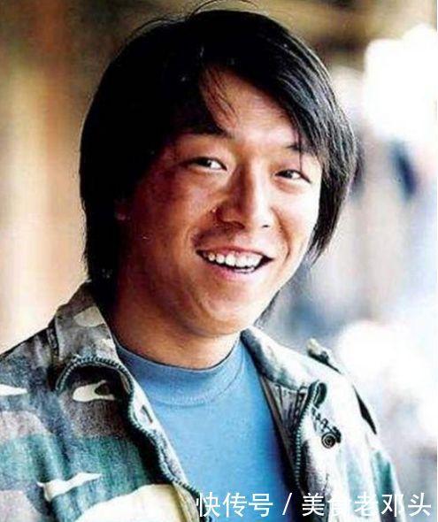 3,黄渤在电视剧《生存之民工》中扮演农民工薛六,作为配角的黄渤在剧