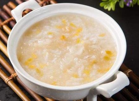 煮粥时,千万不要直接下米煮,多加这1步,熬粥更棉滑,更