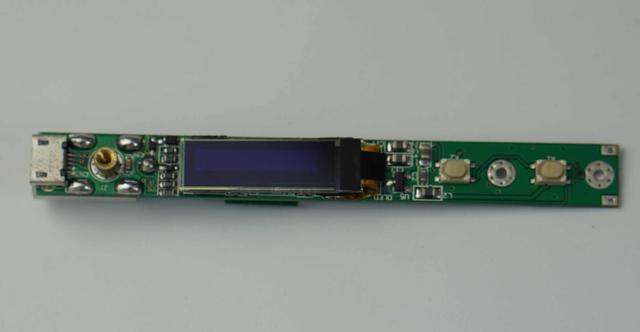 通过连接地线可以避免产生静电,从而对电路板造成损坏.