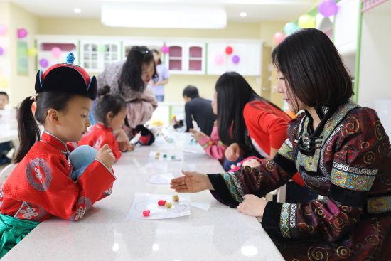 玉泉区民族幼儿园庆六一民间传统游戏活动