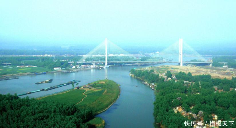 尽管赞美扬州的诗词是数不胜数,但看今天的扬州,却是有一些令人惋惜的