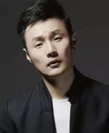 目前最火的小眼睛男星李荣浩