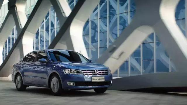 中型车 大众帕萨特 大众迈腾 丰田凯美瑞 保值率:超过63%