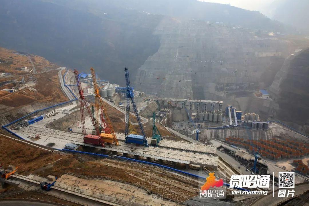 白鹤滩水电站坝址位于云南省昭通市巧家县和四川省凉山彝族自治州