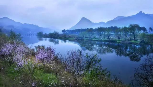 仙都风景名胜区 仙都 ,是一处以峰岩奇绝,山水神秀为特色, 融田园