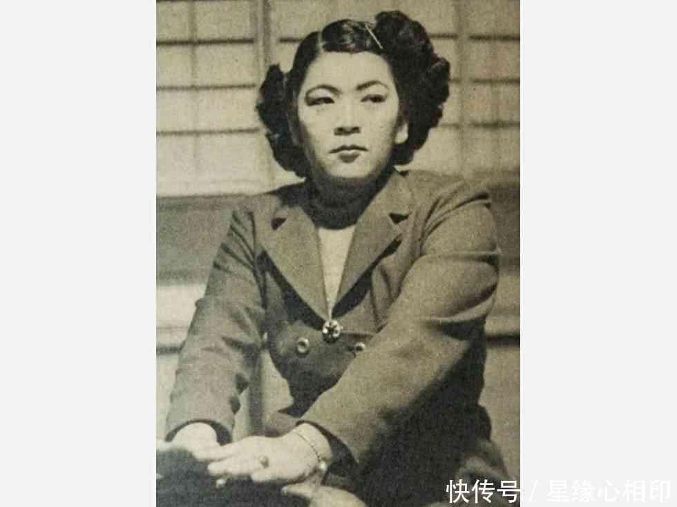1939年,日本一女子叫比嘉和子,为了投靠哥哥来到塞班岛,在咖啡店从事