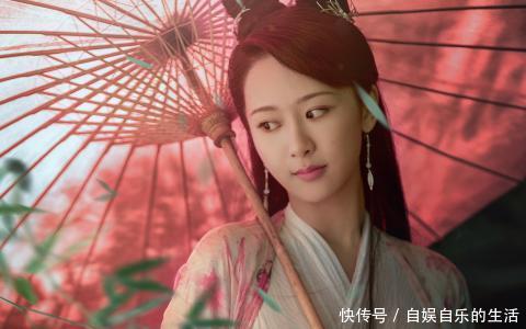 杨紫的电视剧《天乩之就是奇缘》剧情套了个壳,讲的是白夭夭和任嘉伦风中传说电影白蛇图片