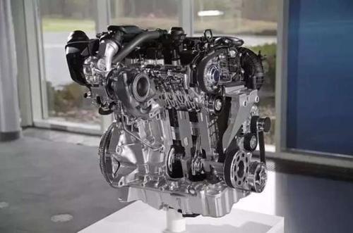 5tsl涡轮增压汽油发动机搭配8kw的皮带驱动启动发电机(bisg),提供快速