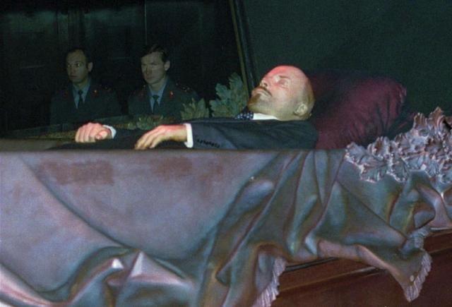 《 列宁墓 》的外观与内部结构.
