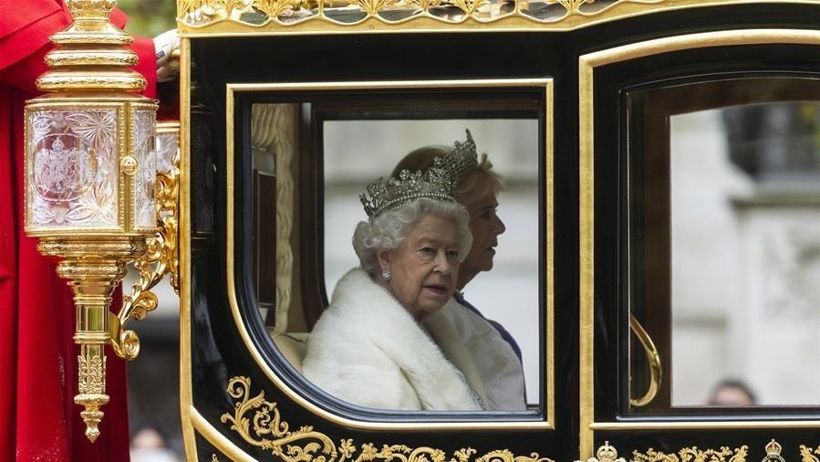 英国女王出席英国新一届议会开幕仪式