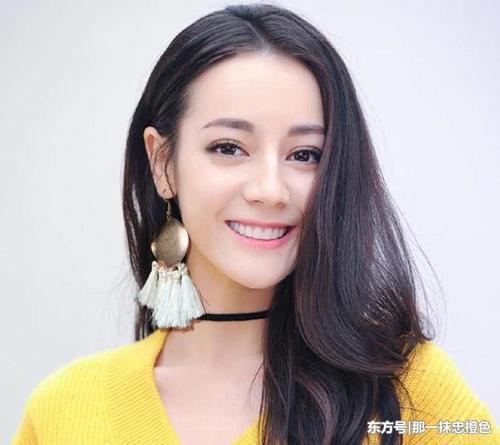 戴夸张耳环的明星,徐璐,热巴赵丽颖都上榜,她最好看.