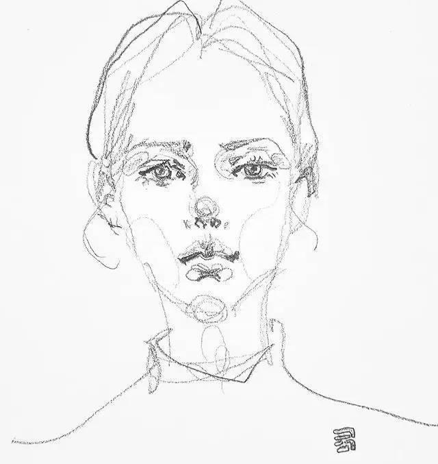 她的速写人物头像,用线很灵活 五官细致,很美