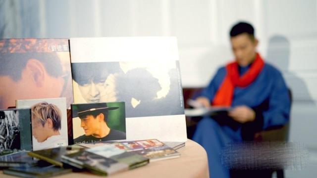 刘德华受伤前拍拜年视频华仔的福字写得好俊秀姜视频图片