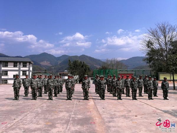 景东县大街镇组织2018年森林防火培训及演练话于田视频图片