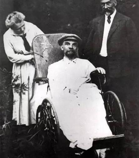 这是1865年林肯总统的最后一张照片,几个小时候后他就被刺杀了.