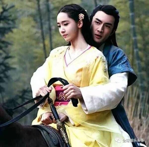 古装剧中男女共骑一匹马,看到最后一对画风突变图片