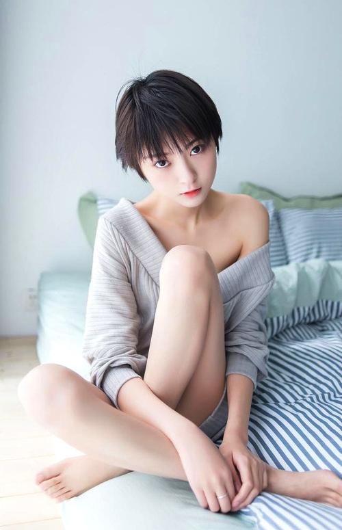 现在的女生越来越不喜欢追气质了?的形容男生女生图片