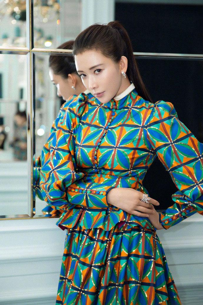 林志玲时尚睡衣大长腿写真图片白电视剧性感性感图片