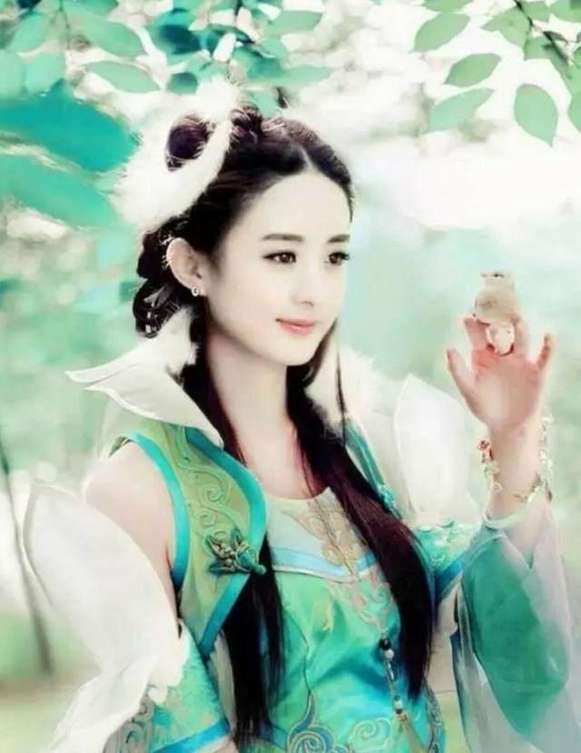 赵丽颖最美古装造型,齐刘海低头浅笑,嘟嘴卖萌,造型再次嫩出新花样!