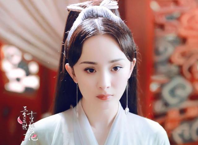 top5,佟丽娅,在《母仪天下》中赵飞燕端庄大气的造型,若隐若现的露肩