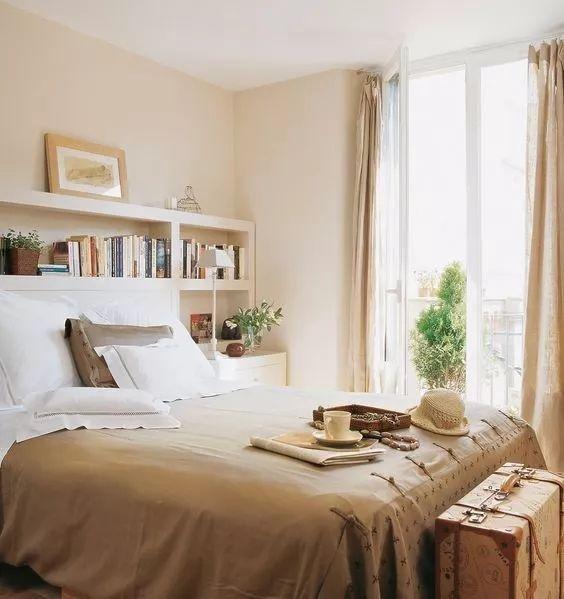 床头背景墙 可以根据自己喜欢的类型 加上自己独特的设计或代表风格