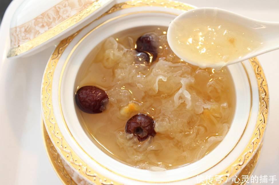 大补类食品,例如冬虫夏草,人参,桂圆干,荔枝干,沙参,黄芪等,作为食疗