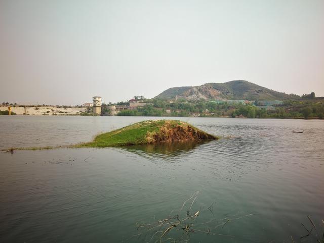 徐水区瀑河水库再现当年青山绿水的美景