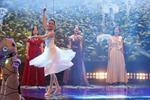 中国功夫和华尔兹 机器人上演全舞行