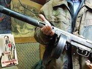 外观很奇怪的几种枪械,第四种安装了好几个瞄准镜