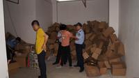 深圳警方捣毁食品黑窝点