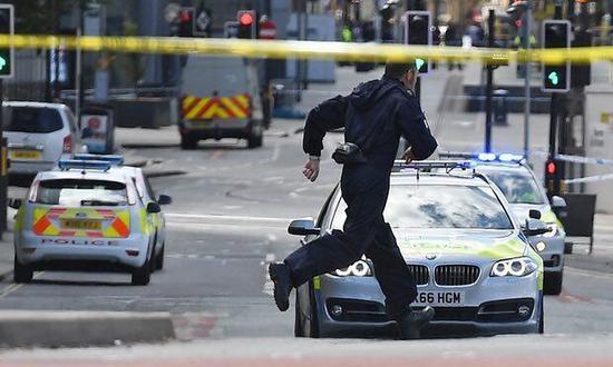 英媒:滞留英国叙利亚公民加大英国反恐工作难度