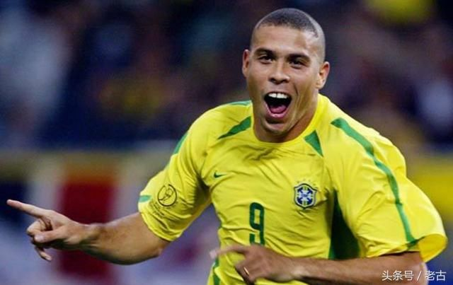 世界足坛历史至今十大球星排名 C罗第6 第一绝
