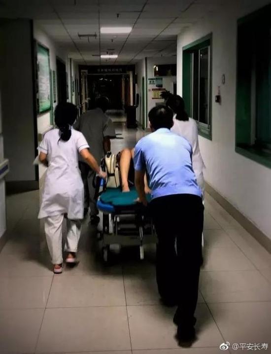 孕妇与家人吵架 半夜离家中途羊水破裂被送医