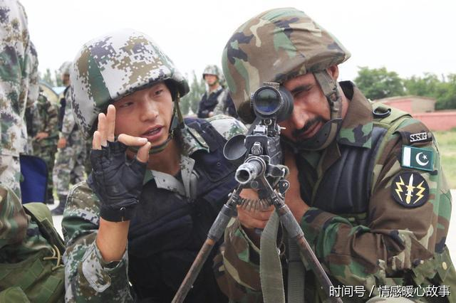 这是世界上唯一一个在边境上对中国不设防的国家 双方边防官兵亲(图)