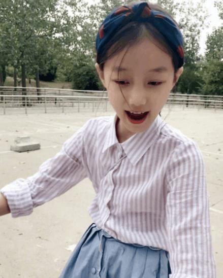 赵薇的女儿长大了,看了照片之后 小编 基因真