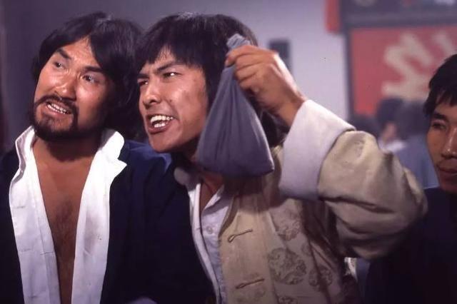 七大打星主演的首部电影,李连杰一战成名,甄子